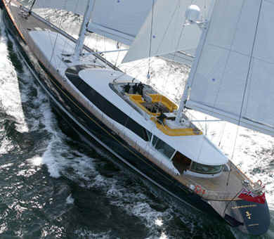 Sailing yacht Q cruise