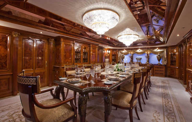 Yacht Martha Ann Dining Salon