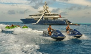 Yacht water sports