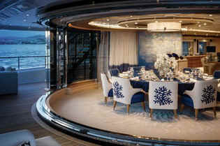 Yacht Cloud 9 dining area