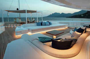 Yacht Cloud 9 Lounge area