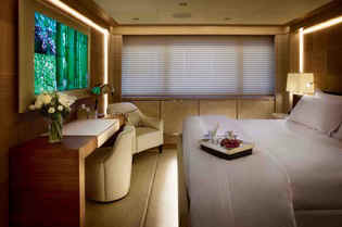 Yacht Cloud 9 guest stateroom