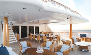 Yacht Aquila outdoor dining