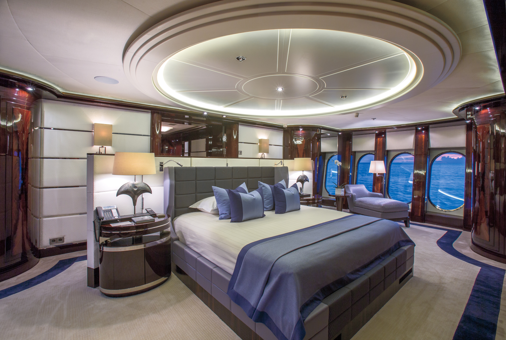 Yacht Dream Master stateroom